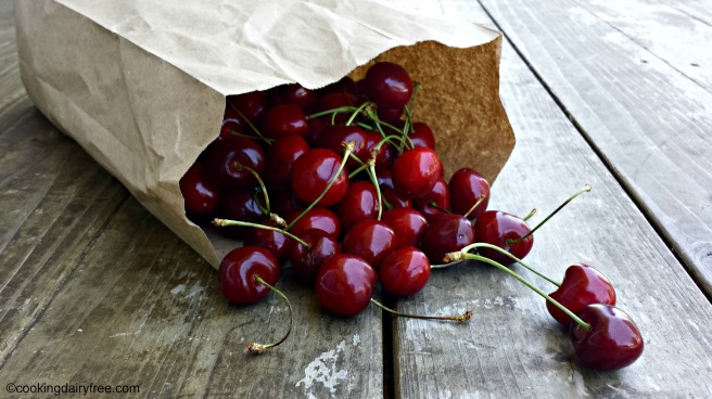 sweet bing cherries