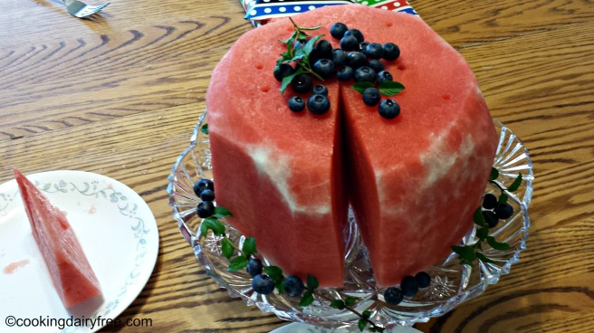 cut watermelon cake
