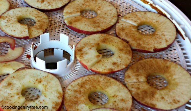 cinnamon-on-apples