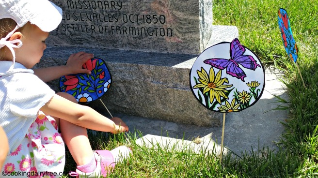 homemade graveside decorations