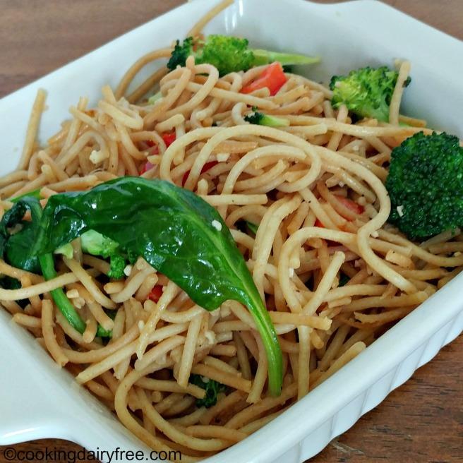 Garlic broccoli noodles 2